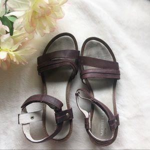 Merrell Sandals sz 6/6.5 ✨